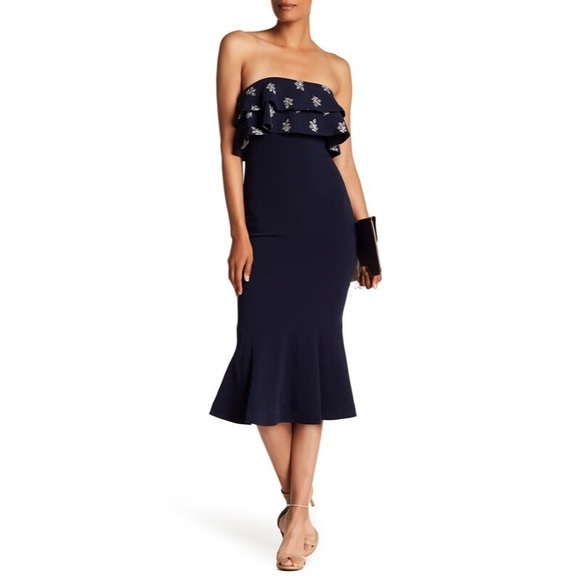 67ea257beac6 Cinq à Sept Eza Strapless Embroidered Dress